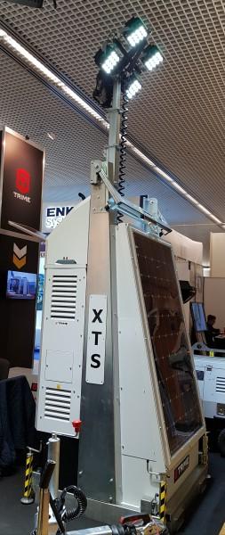 Flutlichtmast X-TS 4x100 W LED Solar Power