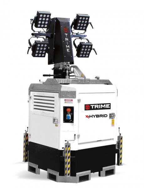 X-Hybrid 4 x 150W LED Flutlichtmast
